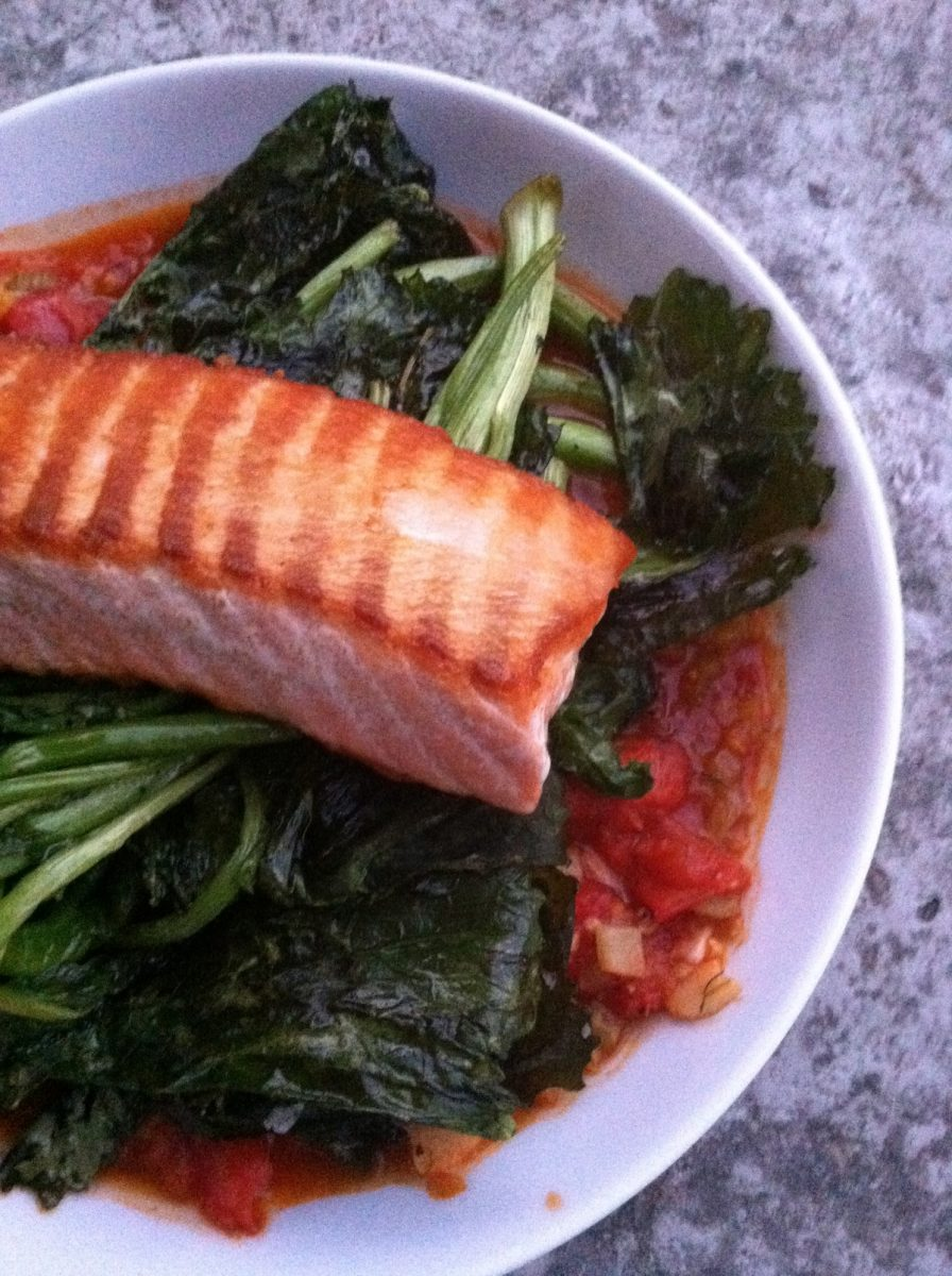 salmon with tomato fennel sauce