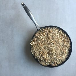 sticky apple one pan crumble